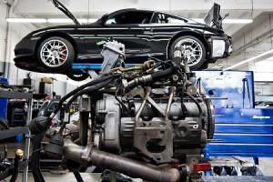 Slika- Porsche (za porsche mehaničara)